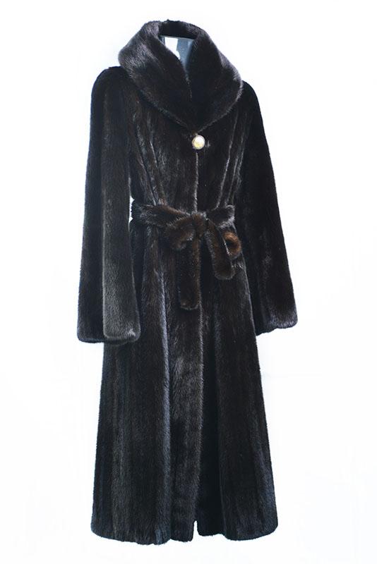 Visone black glama